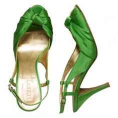 These will go perfect with my purple gown for the Mardi Gras ball...now I have to find them!!!