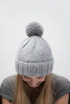 i can't believe i've never knit a hat with a pompom.