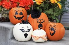 GroopDealz | Halloween Vinyl Pumpkin Faces - Set of 4!