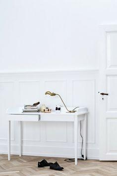 http://www.powderyellow1.com/#!spazio-bianco3645/ccrh このような中で一際映えるSpazio Bianco 35/45の世界観。トール収納家具!