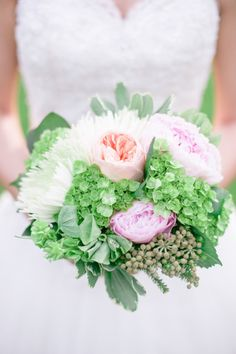 Garden Bouquet || Watercolor Wedding Inspiration || Wedding Colors