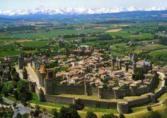 Ejemplo de Ciudad Medieval: Burgo, aún amuralladas por la inseguridad.