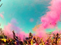 Paint the sky in SF.   #TheColorRun #PaintRace