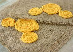 Mellow Yellow florette farmhouse style table runner