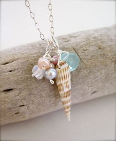 Hawaii Shell beach necklace with pearls - Summer jewelry via Etsy