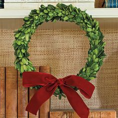 thin-boxwood-wreath-l