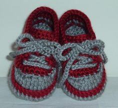 Knitting Pattern For Baby Tennis Shoes : Crochet or knitted shoes on Pinterest Crochet Slippers, Slippers Crochet an...