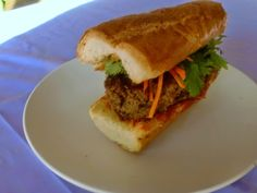 Crazy Foodie Stunts: Banh Mi Burger for #WeekdaySupper