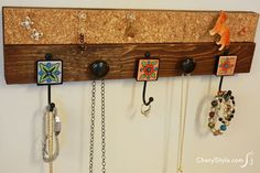 How to make a hanging jewelry organizer that only looks expensive
