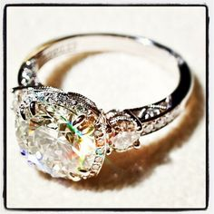 SOOOO PRETTY! Custom Tacori engagement ring. I'm in love.