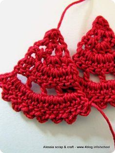 Scuola Uncinetto: Schema orecchini triangolari a crochet - pretty earrings chart