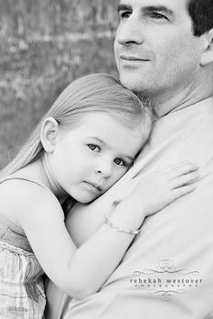 aww daddy's girl..a photo that must come out at high school graduation and her wedding!