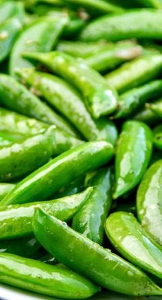 Easy Garlic Snap Peas by thewickednoodle #Snap_Peas #Garlic
