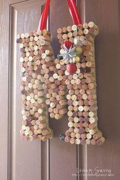 Living Savvy: How To... Monogram Cork Wreath
