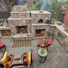 Fireplace, pizza oven, grill....love it!