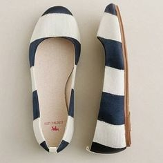 Cute white and navy blue stripes