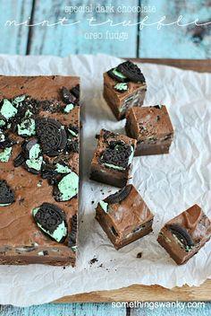 Special Dark Chocolate Mint Truffle Oreo Fudge | www.somethingswanky.com