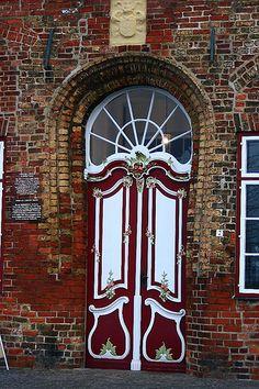 Red & White Entrance w/Old Bricks. Lübeck