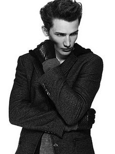 Fashion Photography Male Poses ~ DAYTWWO