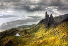 I've stood here!  That's the Old Man of Storr, and you can see Raasay on the left!