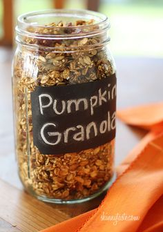 Skinny Pumpkin Granola - Since pumpkin is so popular this time of year, I thought it would be fun to make a pumpkin version. #weightwatchers