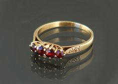 Vintage Garnet Ring 9ct Gold / 1940s Ring Size 8 / by ClosetGothic ring size