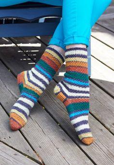 Free knit pattern - Patons Kroy Socks - 'Step Dance' Socks