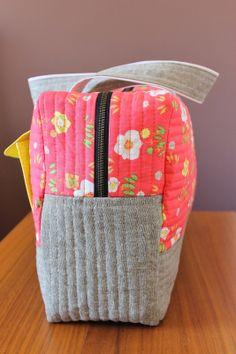 C'est la vie: { CARGO DUFFLE SEW ALONG : FINALE!! assemble and line your bag } | Dear Stella Design