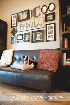Photo wall! wall collage, living rooms, photo walls, family photos, photo arrangement, gallery walls, family wall, family rooms, living room walls