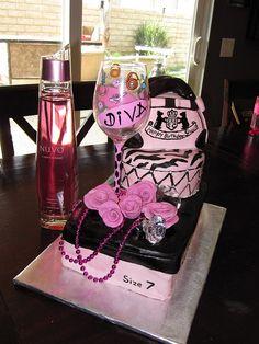Cake Art Divas : All Things Diva on Pinterest Diva Cakes, Makeup Cakes ...