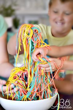 How to make Spaghetti Slime... Kids love this stuff!!! the36thavenue.com