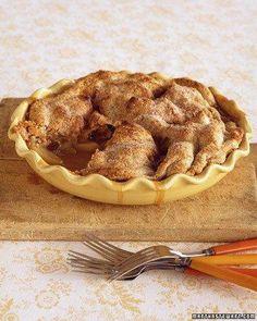 Martha's Cold-Weather Comforts // Apple-Raisin Pandowdy Recipe