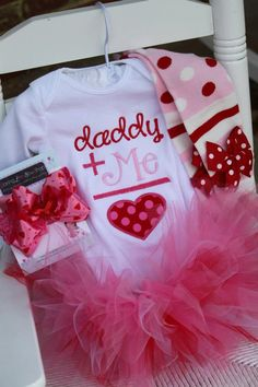 Baby Girl Valentine Tutu Outfit - Daddy's Girl - pink and red applique onesie, leg warmers, bow and tutu.