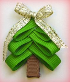 Christmas Tree hairbow Clip Instruction: Hip Girl Boutique - Ribbons, Hair Bows, Hair Clips, Hairbow Hardware, Free Hairbow Instructions    Great for the girlies that dress up as presents
