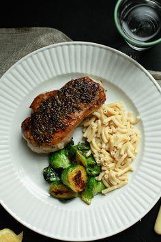 Easy Weeknight Pork Chops With Mac 'N'Cheese