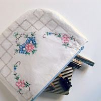 How to Make a Laminated Doily Cosmetic Bag
