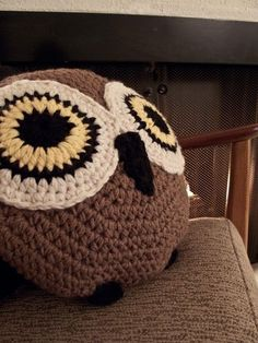 Crochet Owl Pillow  - how cute is this? Owl Pillows, Crochet Owls, Crochet Pillow