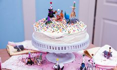 Katherine LaNasa makes adorable animal cake toppers! #cake #toppers #caketoppers #sweets #dessert #party #homeandfamily #homeandfamilytv