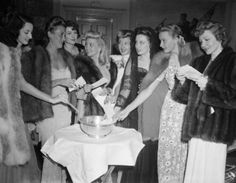 Virginia O'Brien, Dorothy Lamour, Ruth Hussey, Ann Sothern, Jean Rogers, Patricia Morison, Lynn Carver, and Claudette Colbert (L to R)