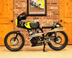 CB 160 Road Racer. Confira em http://garagemcaferacer.blogspot.com.br/2013/04/honda-cb-160-road-racer-1968.html