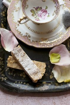 Tea with Shortbread Cookies (recipe)
