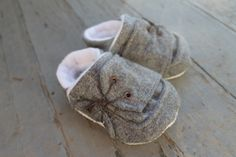 Baby Shoes  Infant Booties  Soft Shoes  Handmade by laupinkgirl, $30.00