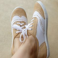 white shoes, idea, craft, mom blogs, oxford shoes, paint oxford, sneakers, diy, faux paint