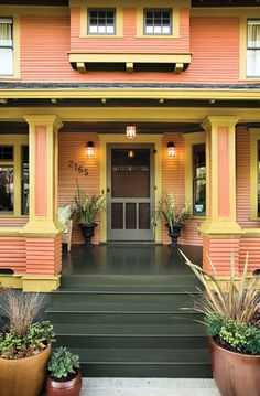what a great porch.: especially the color of the house.