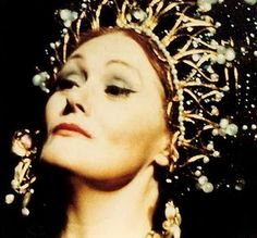Joan Sutherland. The first opera singer I ever heard. Love, then and now