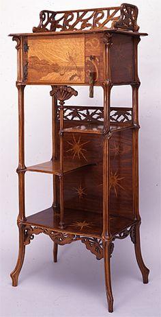 エミール・ガレ 飾り棚:繖形花序   1896-98年頃 松江北堀美術館
