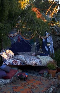 decor, outdoor beds, outdoor oasis, under the stars, outdoor living