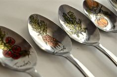 """Upcycled spoon garden markers - by 22 pages - LOVE this kind of design, using paint/permanent marker directly on the spoon instead of decoupage - i love the """"feature"""" of the veggies and the words taking second place - nice design - inspiration only - #GardenMarker #PlantMarker #UpcycledSpoon #RecycledSpoon #ReupurposedSpoon #Garden #Plant #Crafts #DIY - tå√"""