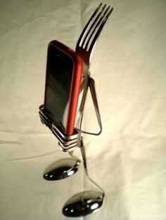 This is an iPod fork holder. Pretty cool!