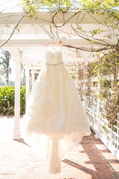 Orlando, Florida Wedding at Cypress Grove Estate House from Amalie Orrange Photography  Read more - http://www.stylemepretty.com/florida-weddings/2013/06/24/orlando-florida-wedding-at-cypress-grove-estate-house-from-amalie-orrange-photography/